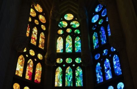 stained-glass-window-1481639_1920